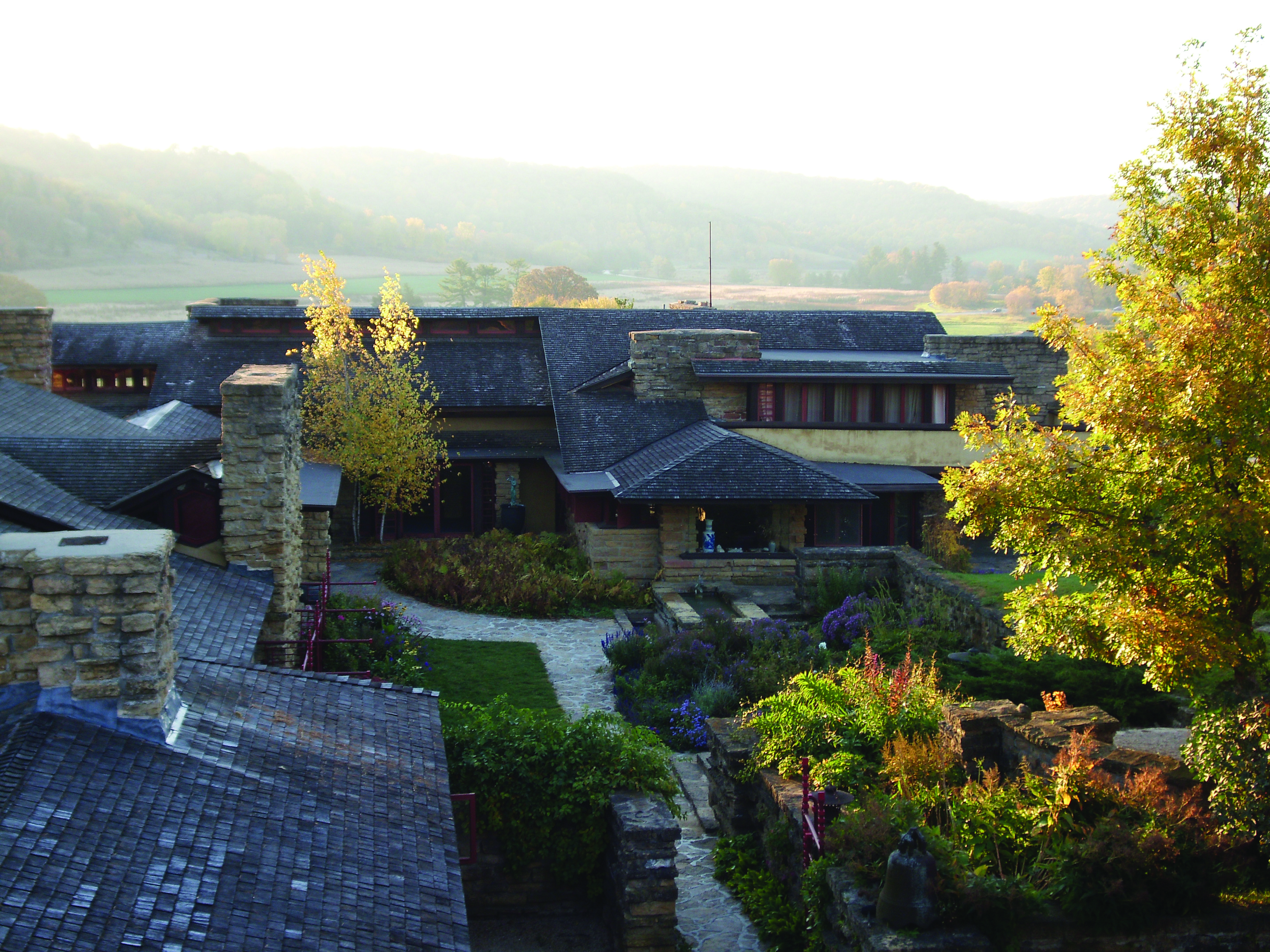 taliesin-and-courtyard-image-courtesy-taliesin-preservation